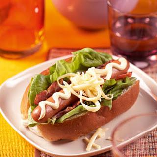 Hotdog Met Bacon En Mosterdmayonaise
