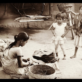 Professional by Prothama Manna - Novices Only Street & Candid ( #motherhood, #villagelife, #children, #earnings, #odisha )