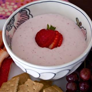 Strawberry Greek Yogurt Cheesecake Dip