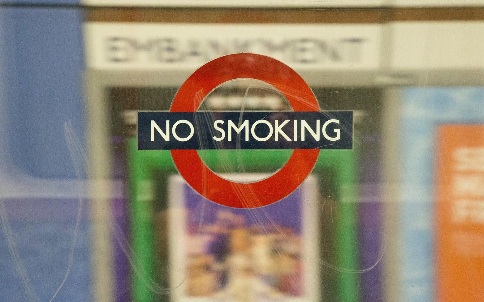 hindari merokok untuk kesehatan mata