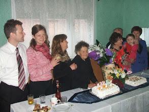 Photo: sorban álló család