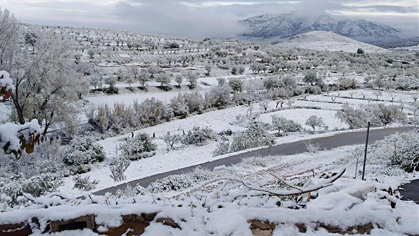 Estampa de la comarca de Los Vélez nevada.