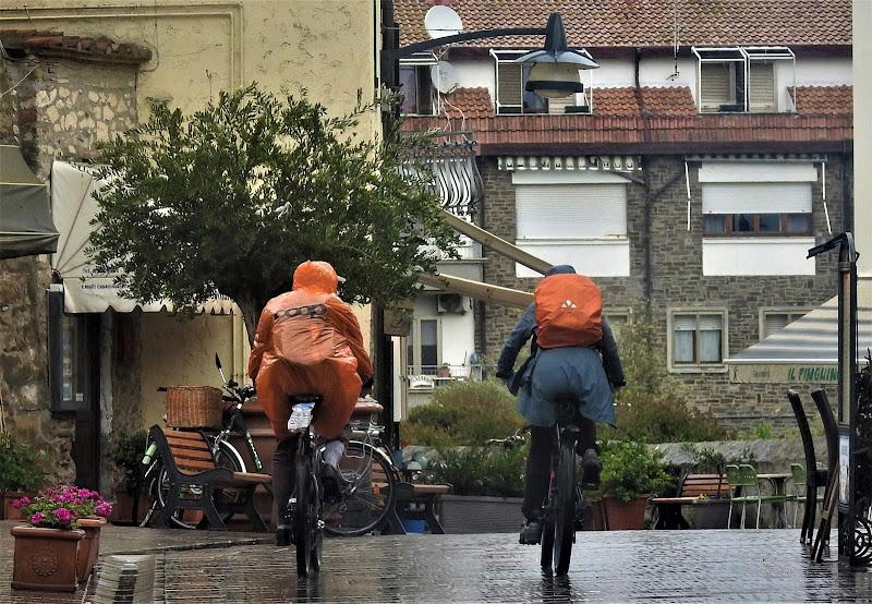 1 maggio 2018 turisti sotto la pioggia di luciano55