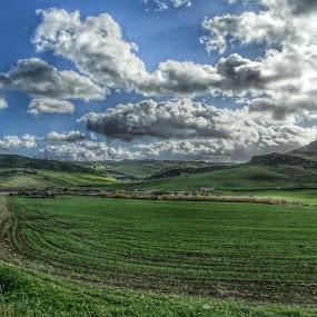 Altopiano in Sicilia HDR by Patrizia Emiliani - Landscapes Prairies, Meadows & Fields ( hdr, italia, sicilia, altopiano,  )