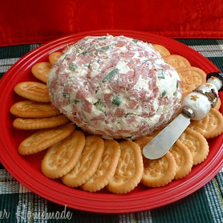 Christmas Cheese Ball.