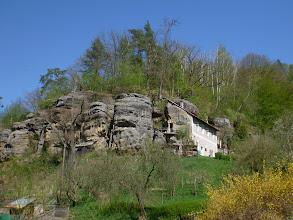 Photo: Skalní domky.