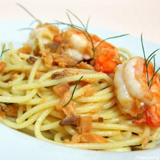 Spaghetti with Smoked Salmon and Prawns Recipe