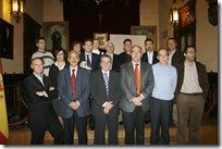 Foto de familia de premiados, autoridades y patrocinadores.