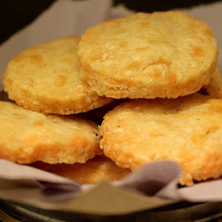 Sharp Cheddar Scottish Shortbread