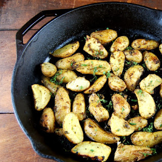 Garlic and Herb Roasted Fingerling Potatoes