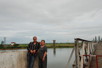 Photo: Parallel 17th, the bridge that, contrary to its purpose, divided the country between 1954 and 1975. Half of the bridge belonged to the defunct Southern Republic of Vietnam. Mom and I are standing on the northern part that belonged to the then Republic Democratic of Vietnam. This is where the most VNese soldiers of both sides died in many battles in 1975. It was really a shame, they were all Vietnamese…. One of them is my uncle Manh.