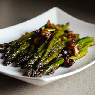 Pan Seared Asparagus with a Soy Sauce Glaze