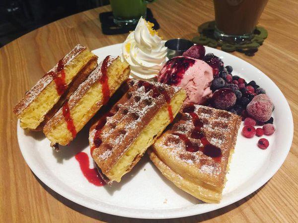 台北車站京站《Moi café》輕食早午餐/下午茶甜點/讓人難以忘懷的美味鬆餅