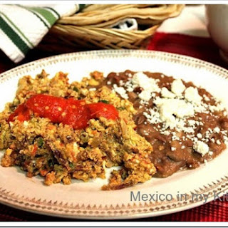 Dry Meat (Beef Jerky) with Eggs / Machacado con Huevo.