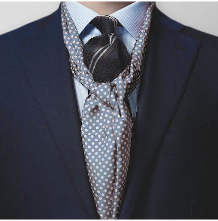 Eton ljusblå scarf med vita prickar