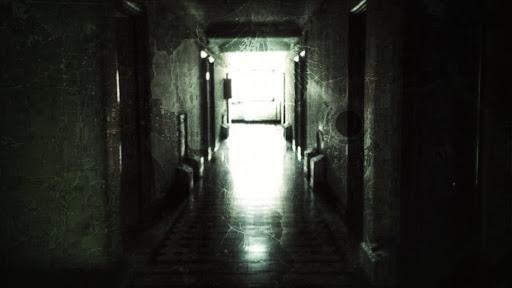 Foto de un pasillo oscuro del Portal Fernandez Concha