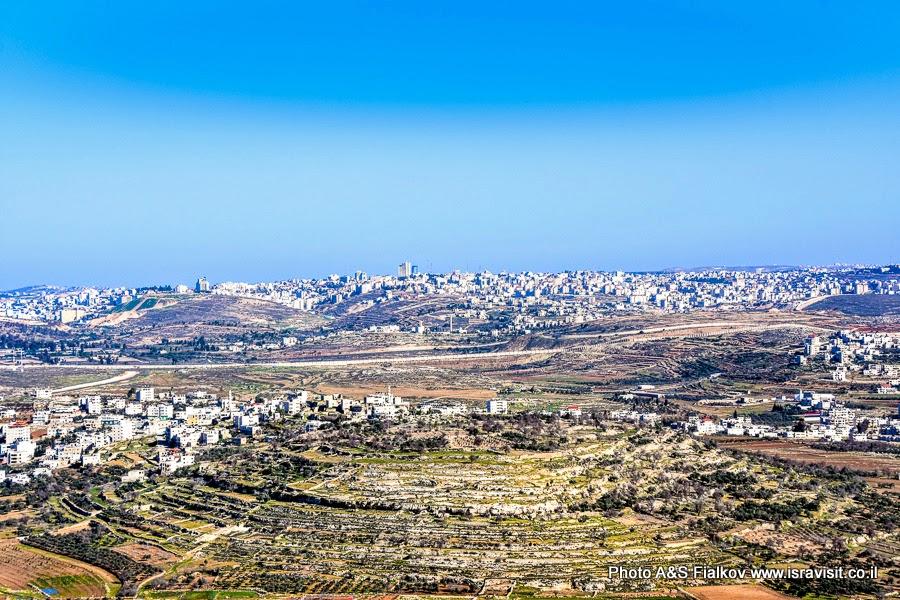 Вид с горы Счастья в Наби Самуэль на пригороды Иерусалима. Экскурсия Светланы Фиалковой.