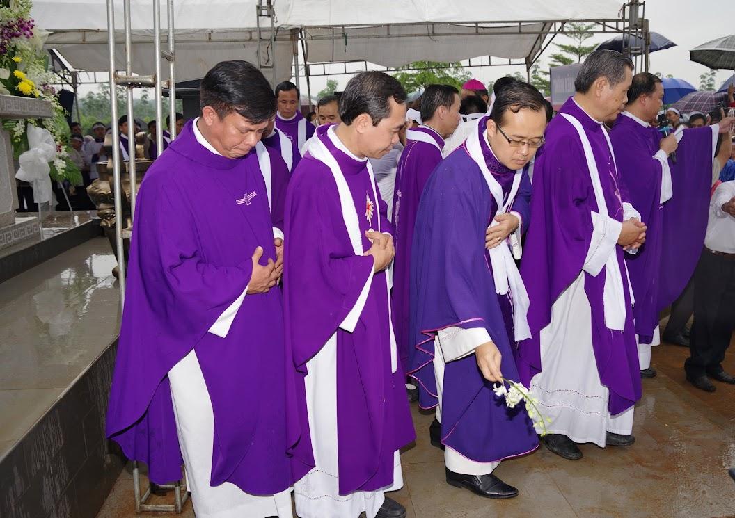 Thánh lễ an táng Cha Giuse Trần Ngọc Tâm - Chánh xứ Xuân Đức - Ảnh minh hoạ 68