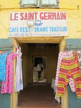Photo: Sn4HR0230-160202Gorée, resto 'Le Saint Germain', entrée pour le service IMG_0145