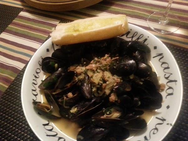Spicy Saffron Mussels Recipe