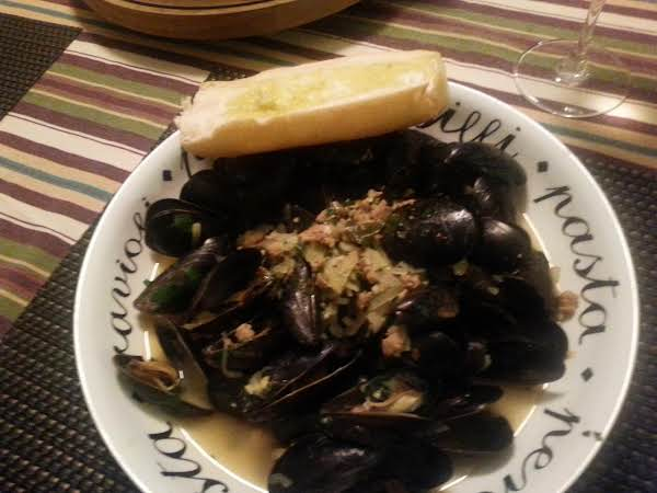 Spicy Saffron Mussels Recipe
