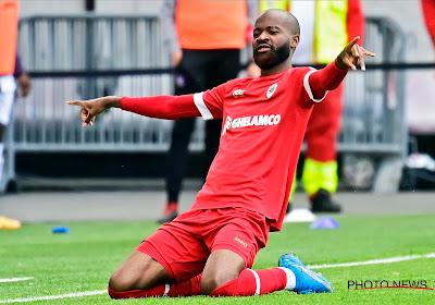 Didier Lamkel Zé arrive en retard et se fait renvoyer chez lui par le nouveau coach de l'Antwerp