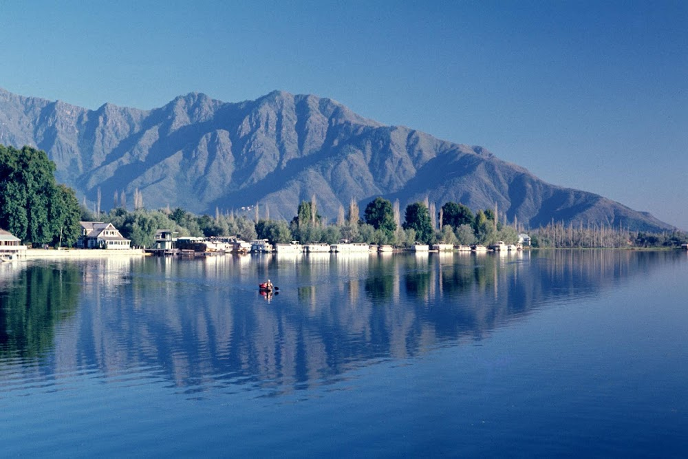 Places_to_Visit_In_June_Kashmir