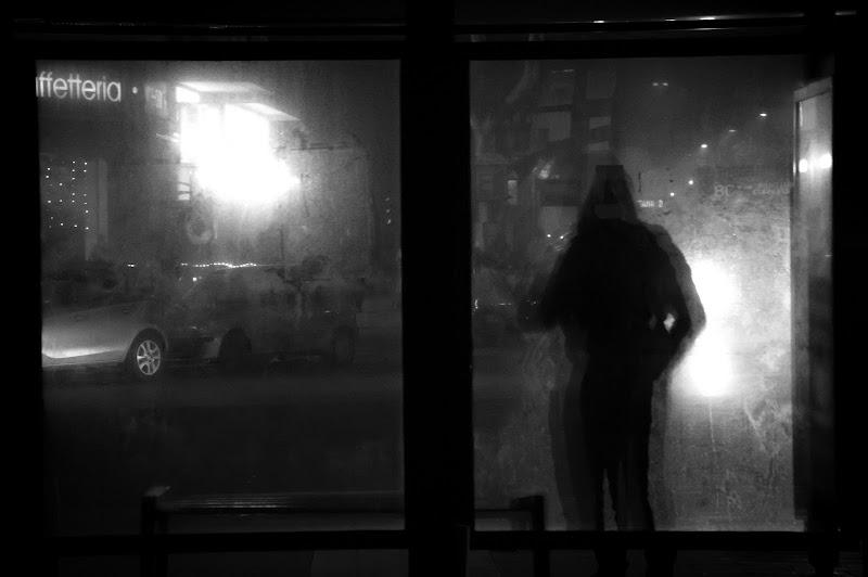 Waiting alone di CoCoStE