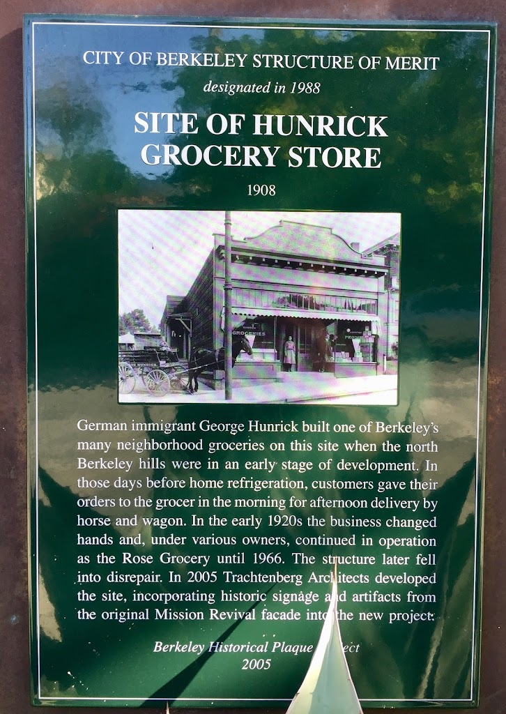 Read the Plaque - Site of Hunrick Grocery Store