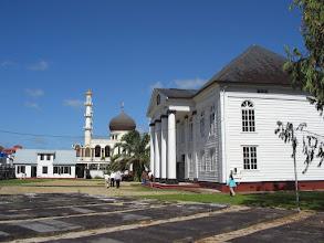 Photo: Synagoge, naast de moskee