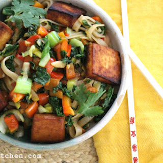 Asian Noodle Stir-fry with Kale & Bell Pepper