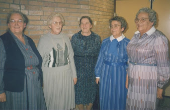 Photo: Jaantje, Jannie, Miep, Adrie en Cor