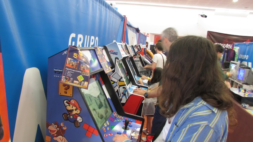 Las máquinas arcade, difíciles de encontrar ya, representaban uno de los grandes atractivos de esta convención.