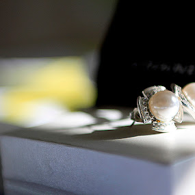 Earring by Francis Edroso - Artistic Objects Jewelry