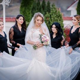 The bridemaids by Klaudia Klu - Wedding Bride