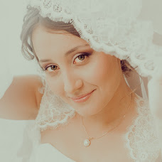 Wedding photographer Oksana Syuzganova (OSae). Photo of 28.04.2014