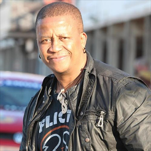 DJ Fresh has hit back at suggestions he has beef with Glen Lewis and Unathi Msengana.