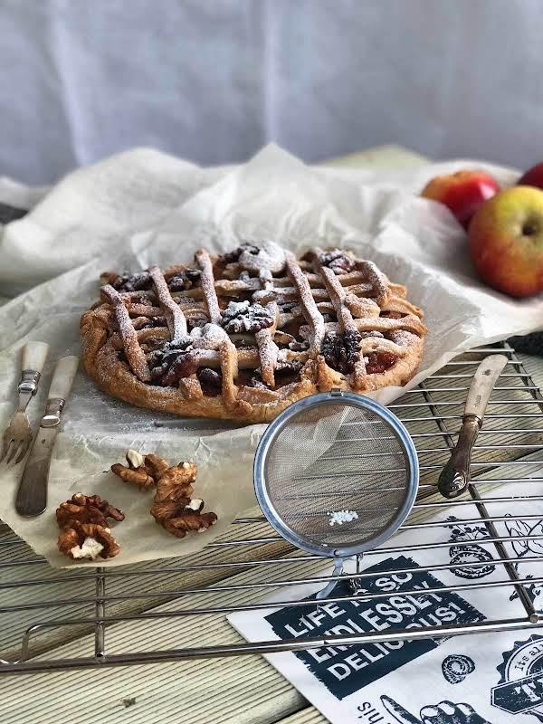 Apple And Walnut Pizza Recipe