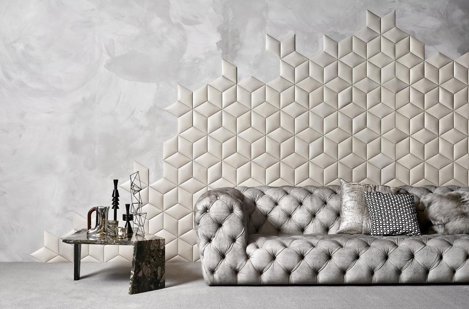 Pemasangan Material Kulit di Dinding dengan Desain Unik