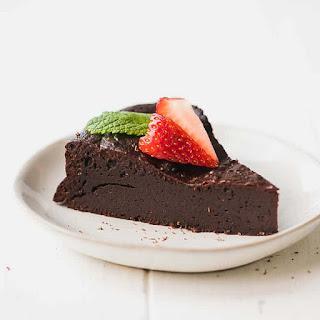 Low-Carb, Keto Flourless Chocolate Torte.