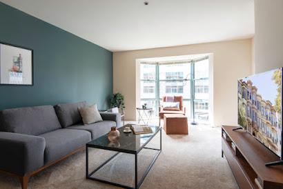 Tehama Street Apartment