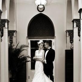 First dance by Kayhan Durukan - Wedding Old - Dancing ( kayhan durukan, damat, dijital portakal, gelin, wedding, düğün, photojournalism, bride, groom )