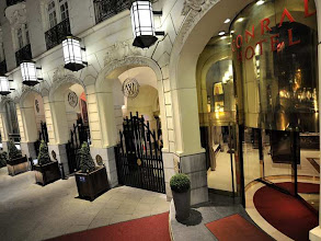 Photo: Opened in 1993, this Brussels hotel has preserved its magnificent 19th century façade, giving it a unique charm.