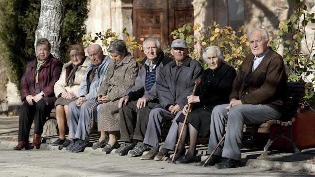 Grupo de ancianos.