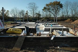 Photo: I uge 44 blev der isoleret næsten færdig i gulvet.