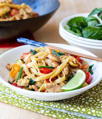 Pad Kee Mao Recipe (Drunken Noodles) - A Spicy Perspective