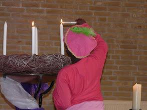 Photo: dus worden er twee kaarsen aangestoken