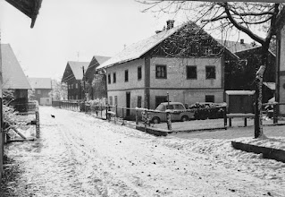 Photo: Kumpfmüller-Haus mit Goggomobil - Totale