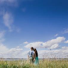 Wedding photographer Nadezhda Yarkova (YrkNd). Photo of 10.10.2015