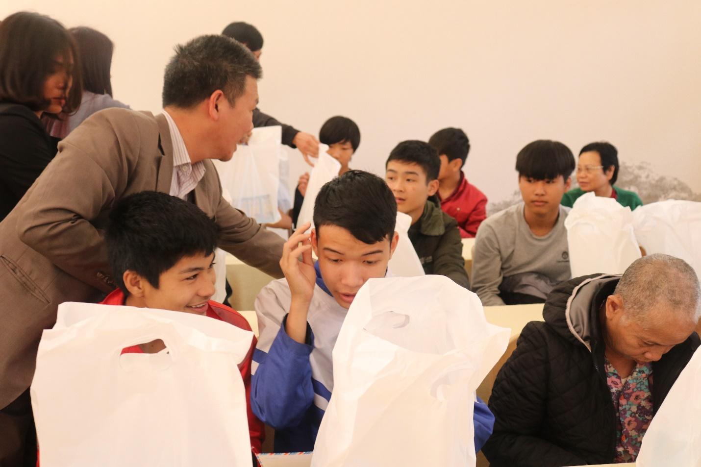 E:thông tin DNmaccatặng quà tại Hà NambàiIMG_1079.JPG